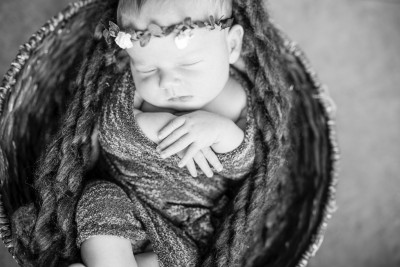 Best Newborn Photographer in South Fork