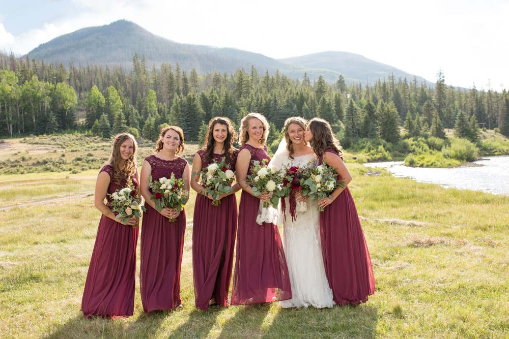 21 river mountains bride bridesmaids