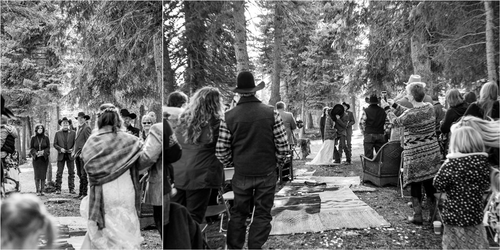 13 Creede Winter Wedding Ceremony   First Kiss
